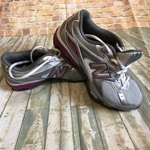New balance woman sneakers 👟 size 7 pink grey cl